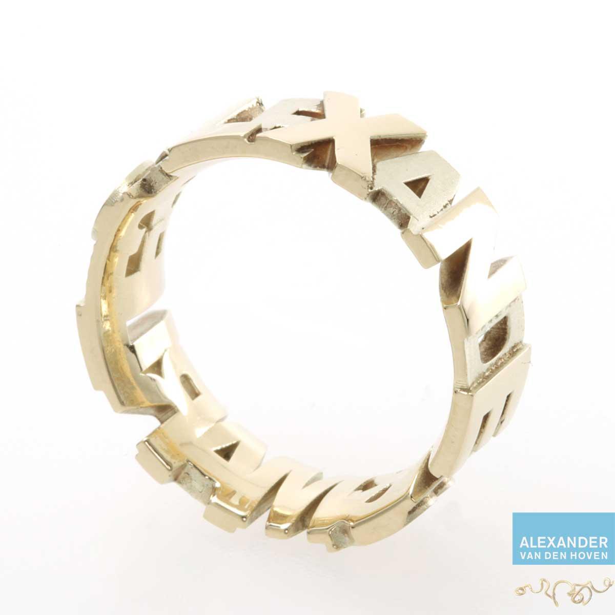Gouden ring met namen, ontworpen in Rhino Matrix 3D Design