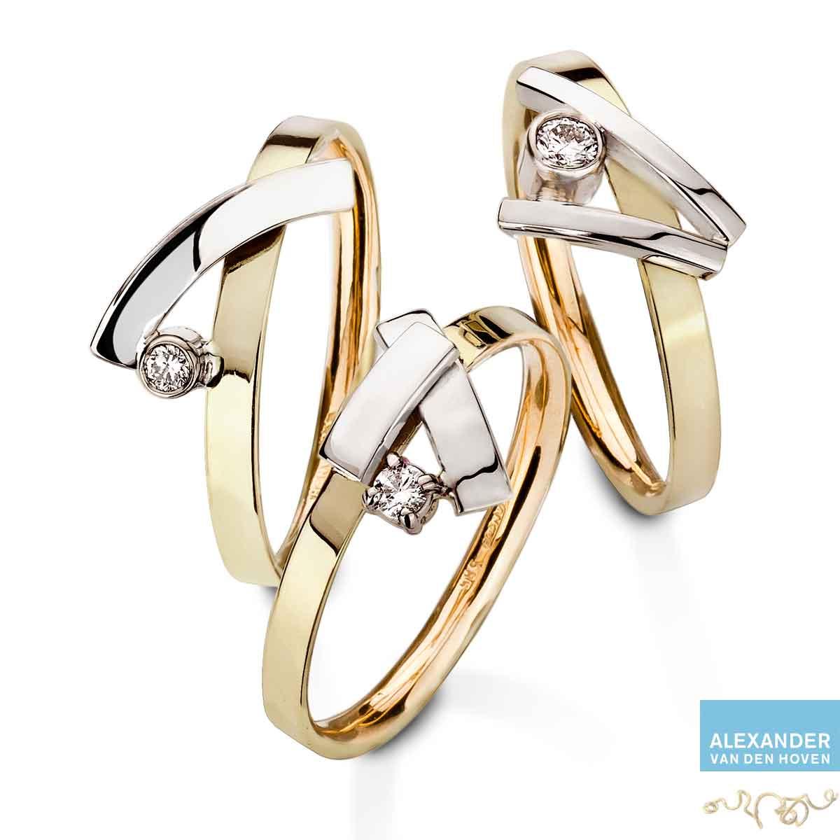 Drie gouden ringetjes met Diamanten