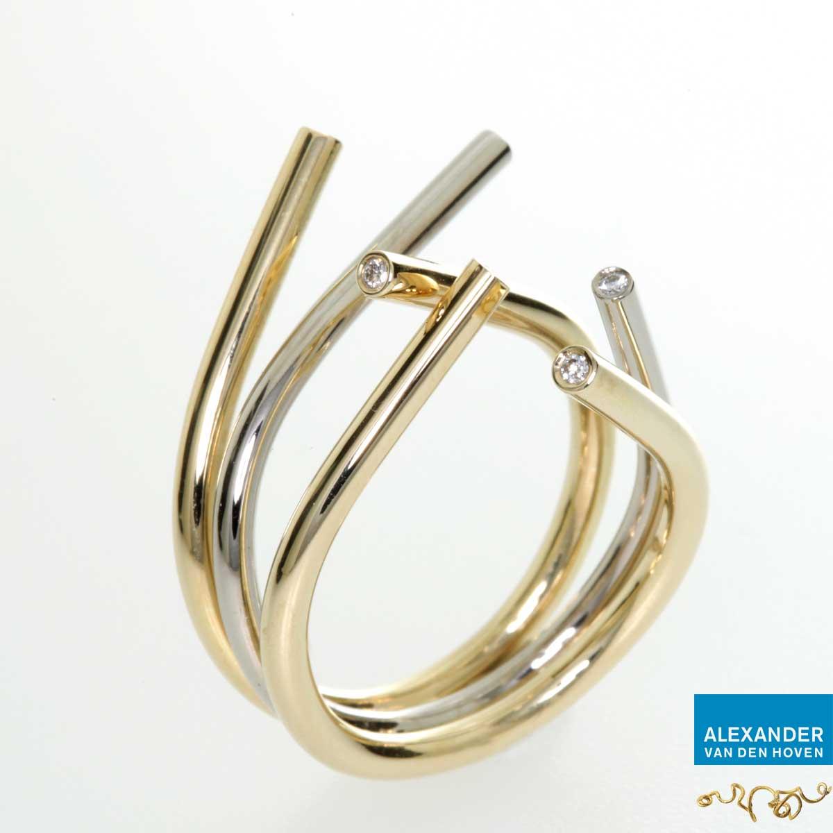 Open ring uit 3 delen met Diamanten