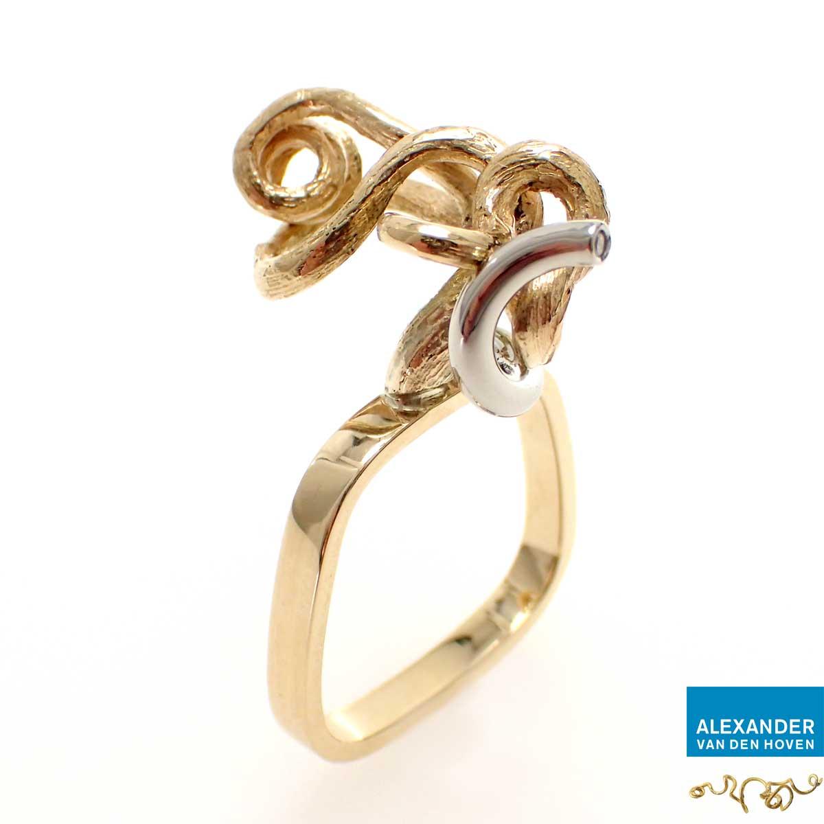 Ring-R006-Goud-takje-Diamant