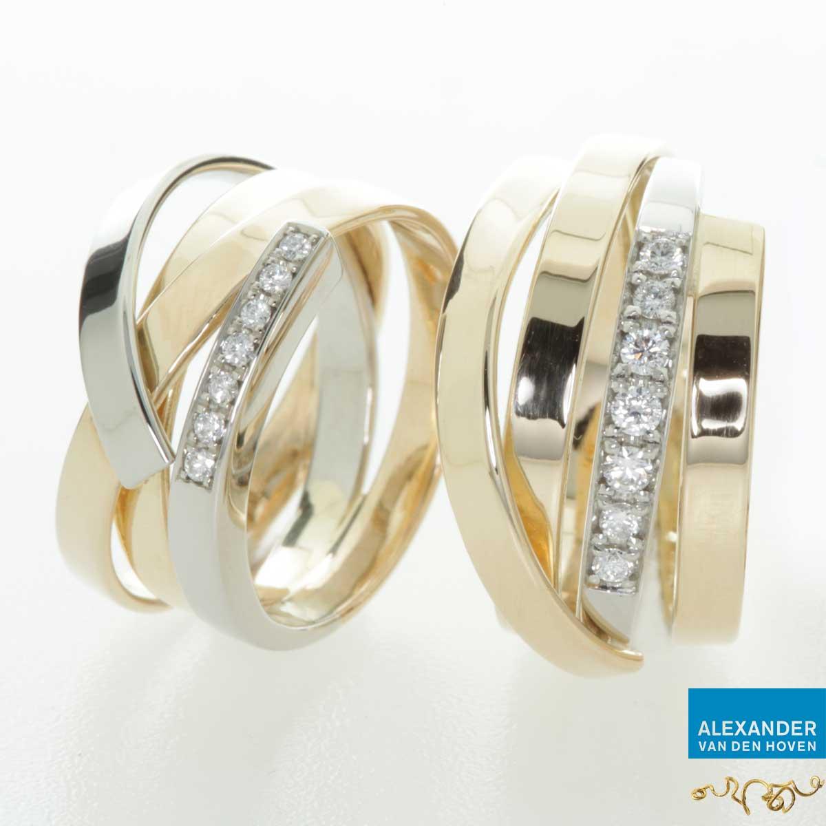Gouden wikkelringen met pavé gezette Diamanten