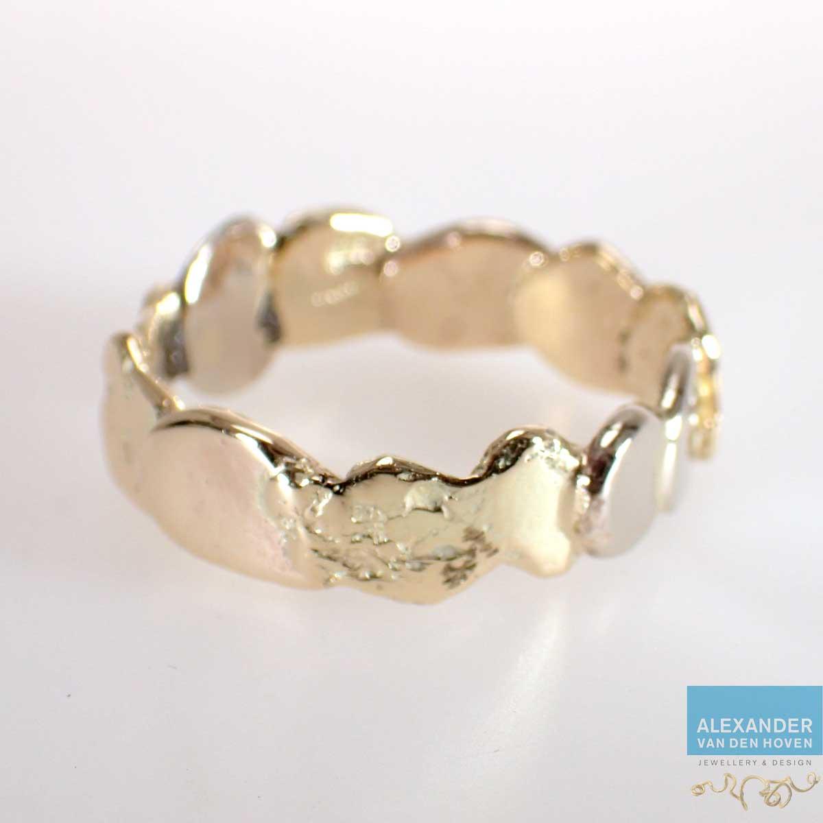 witgouden-ring-van-oude-sieraden