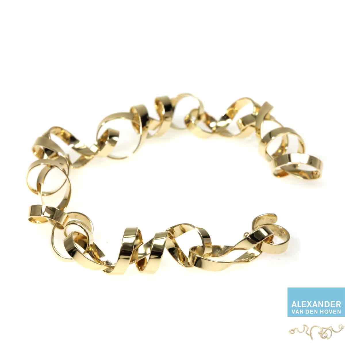 Geelgouden-armband-krullen