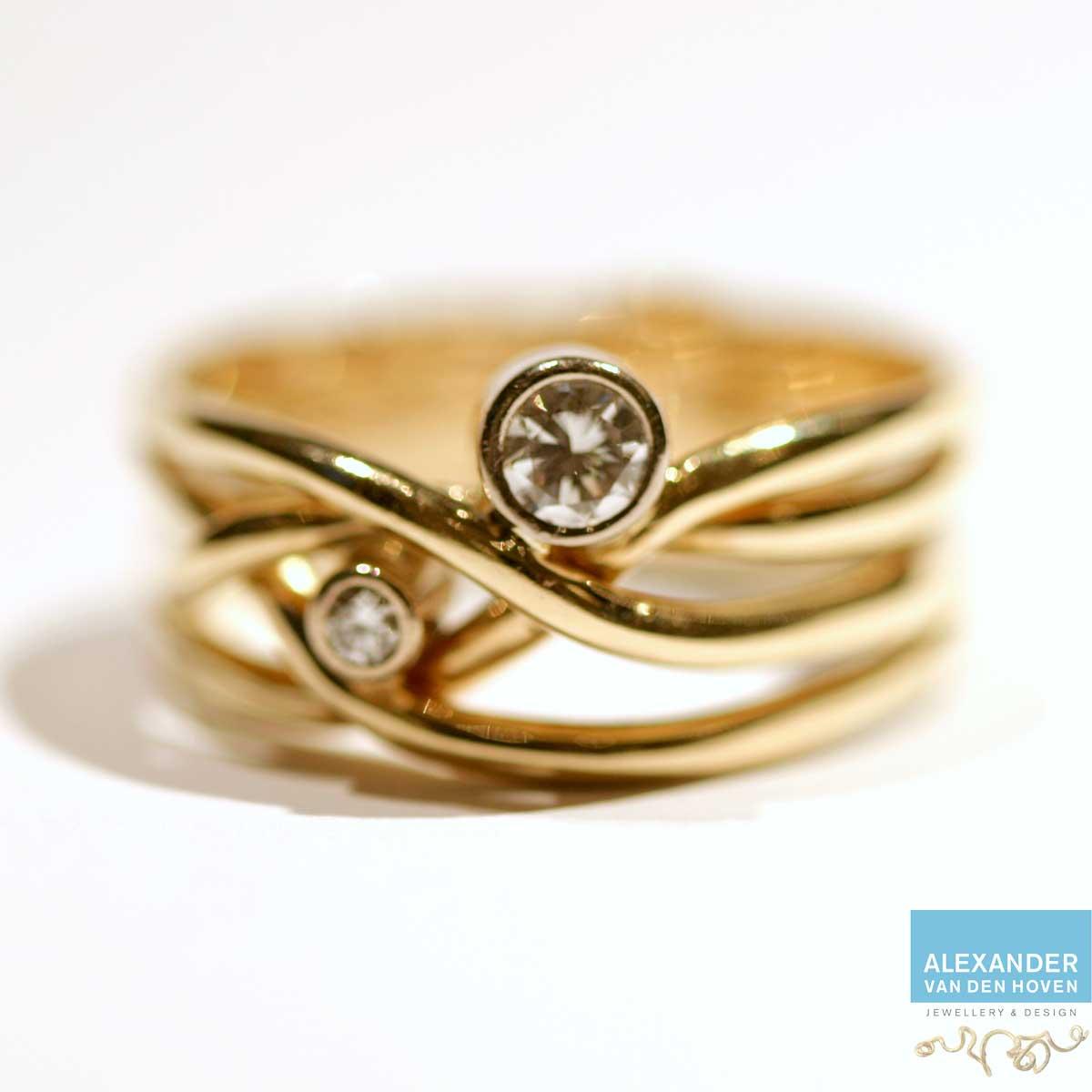 Twee trouwringen vermaakt tot 1 ring met Diamant