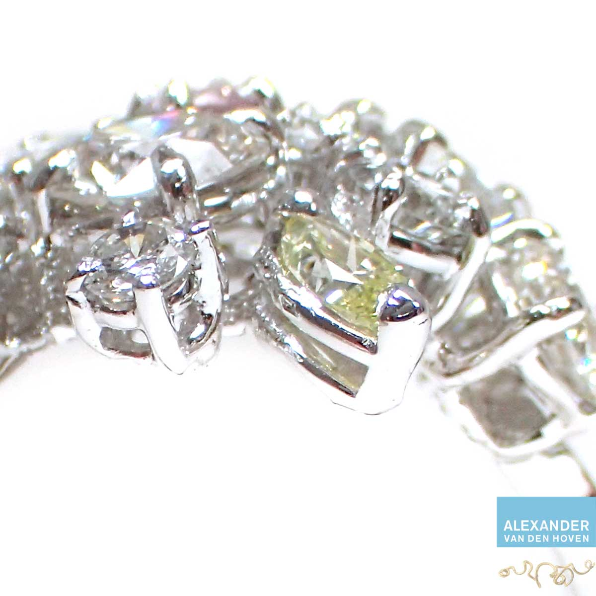 Witgoud-ring-Diamant-Cluster-pink-carat