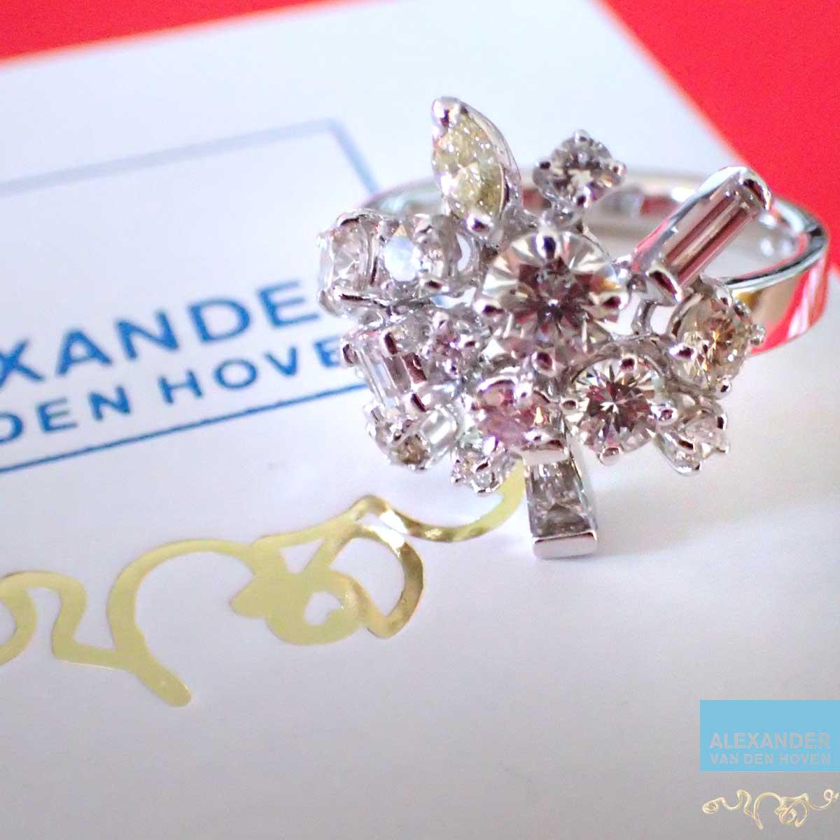Witgouden-ring-Diamant-Briljant-Cluster