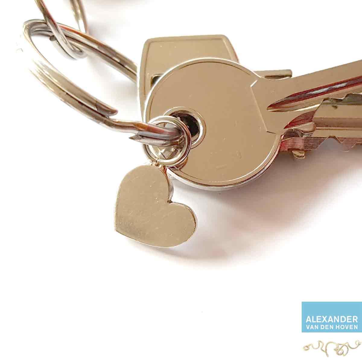 zilveren-Hangertje-Hartje-aan-sleutelbos