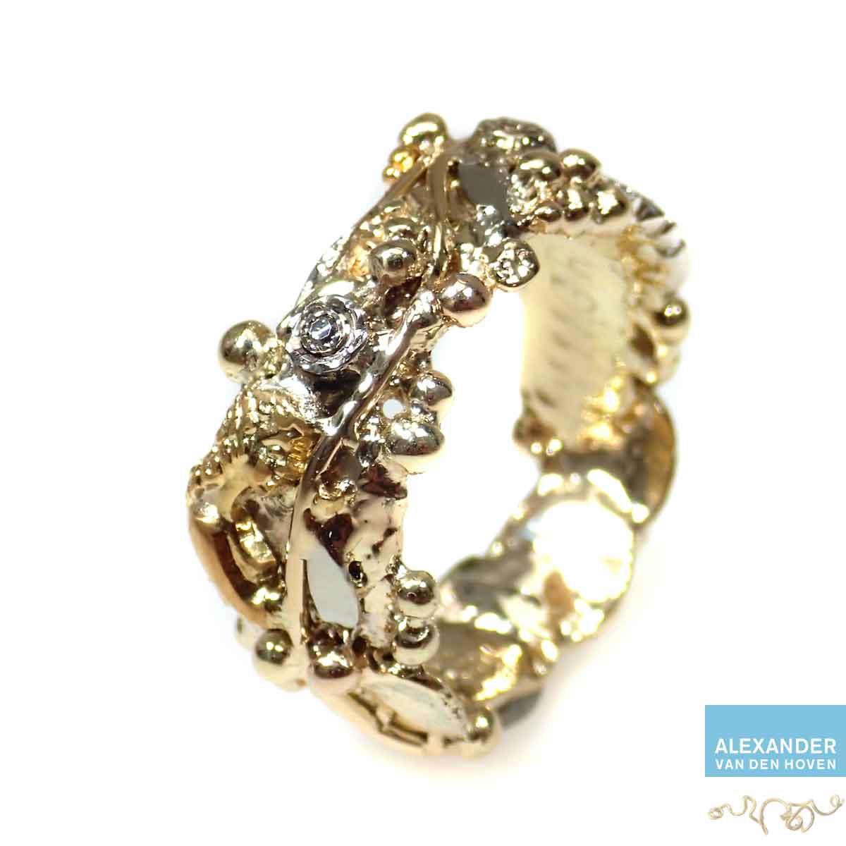 Gouden-ring-met-takjes
