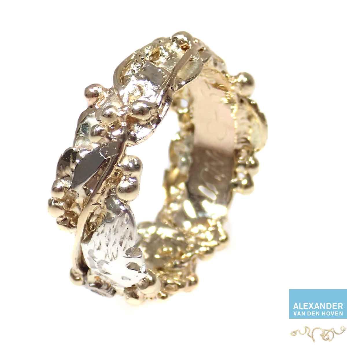 Gouden-trouwring-met-takjes-Lathyrus