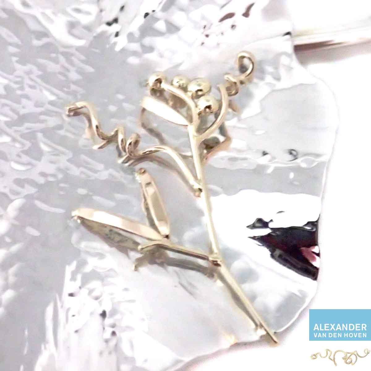 Zilveren-hanger-gouden-Lathyrus