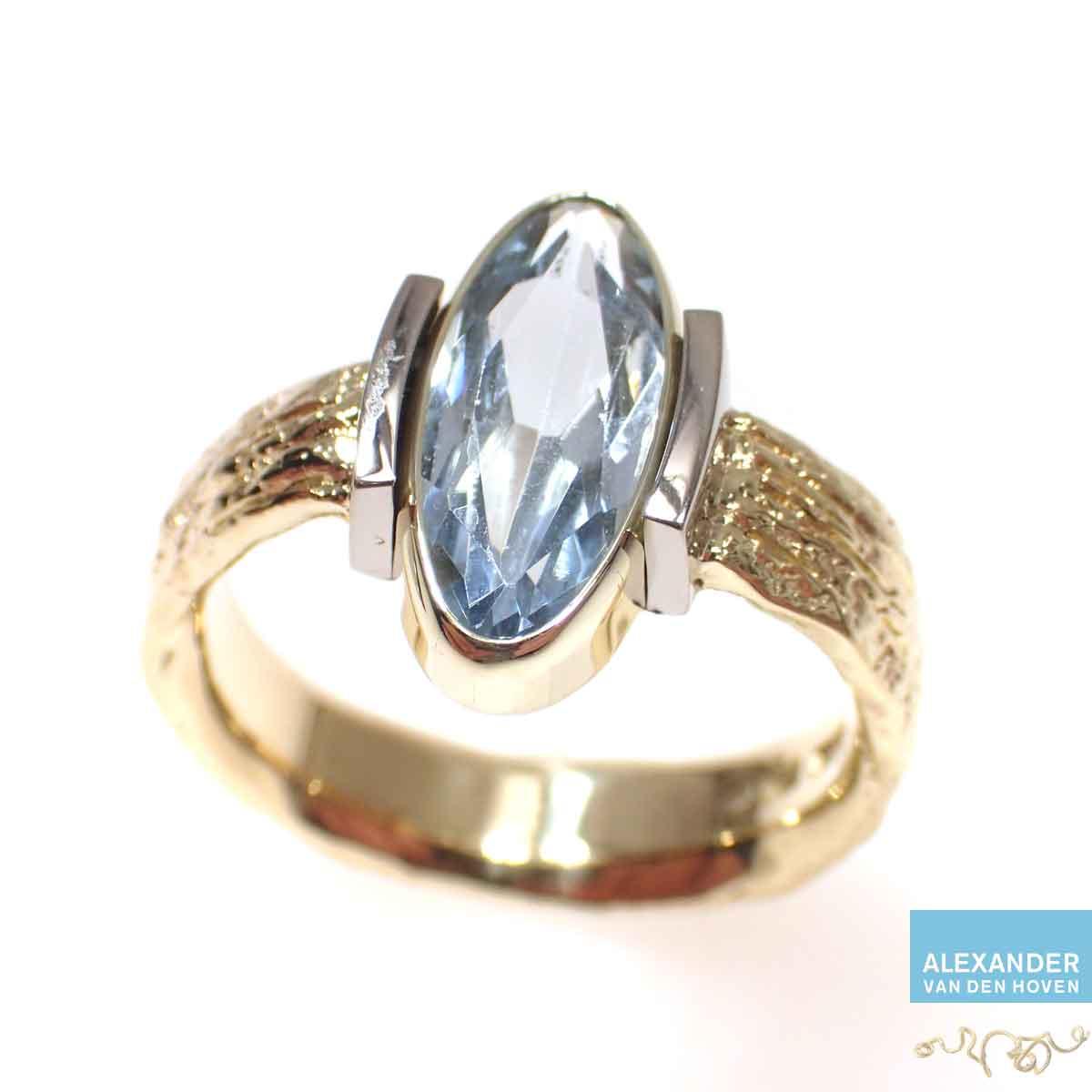 Aquamarijn-ring-grillig-goud
