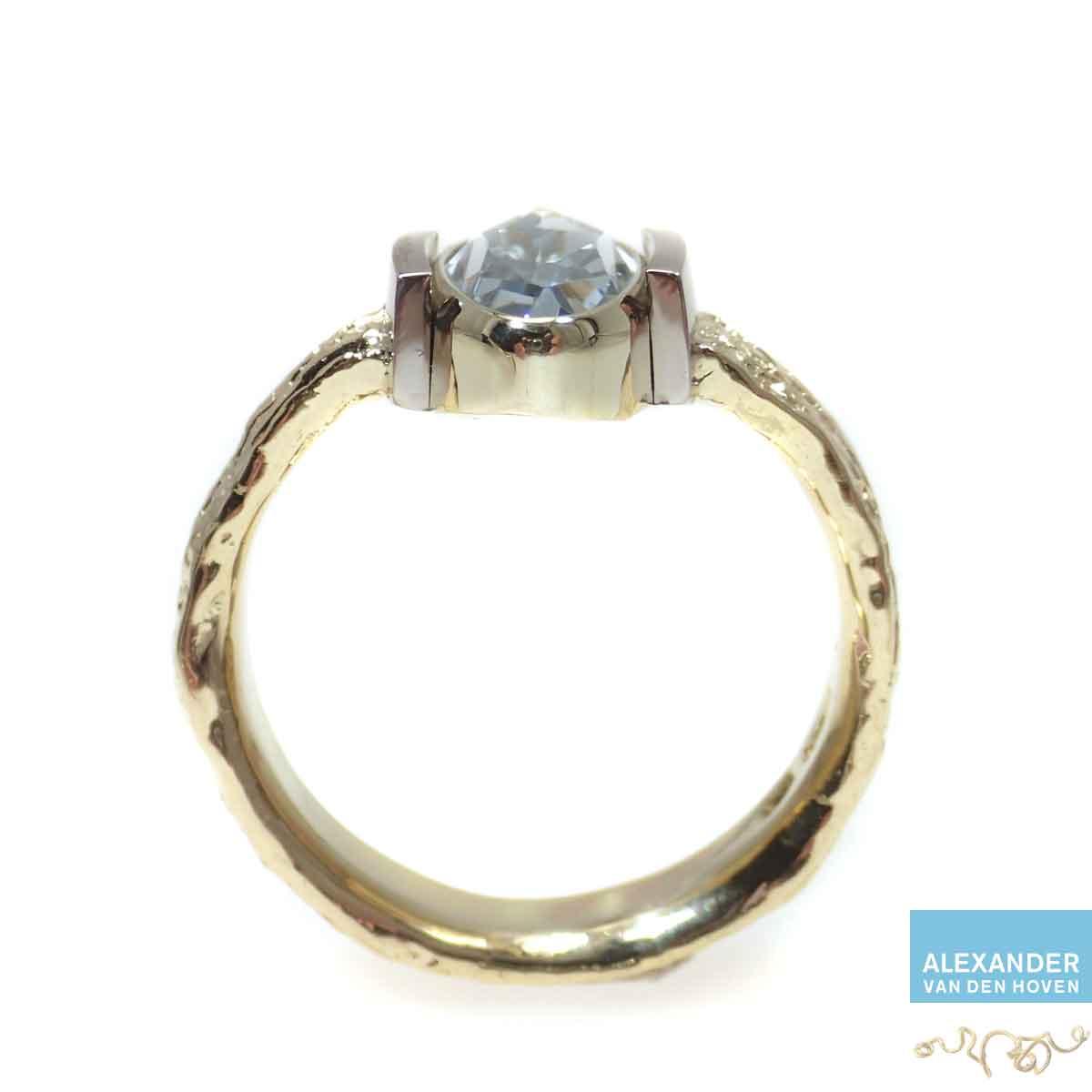 Aquamarijn-ring-grillig-vuur-goud