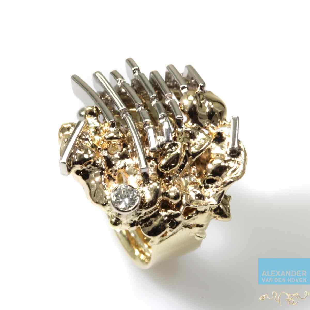 Geelgouden-ring-vingerafdruk-witgoud-Briljanten