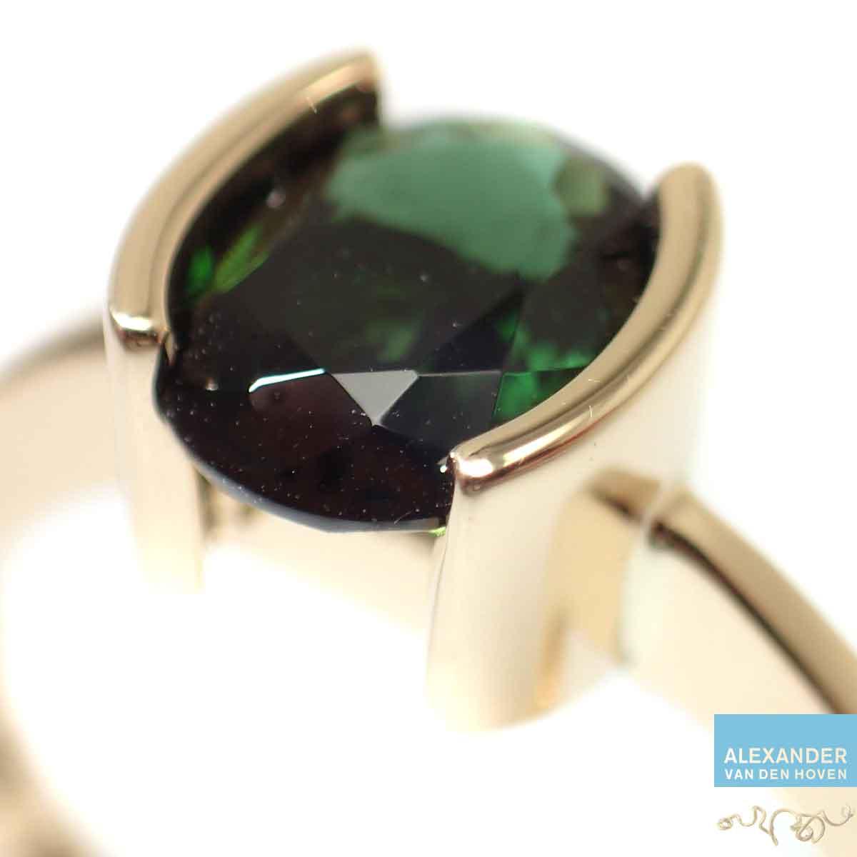 Groene-Tourmalijn-gouden-ring