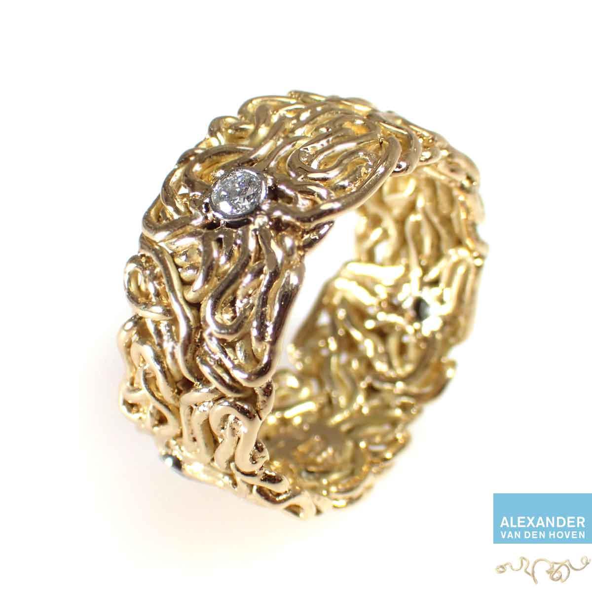 Gouden-gevlochten-ring-platina-zettingen