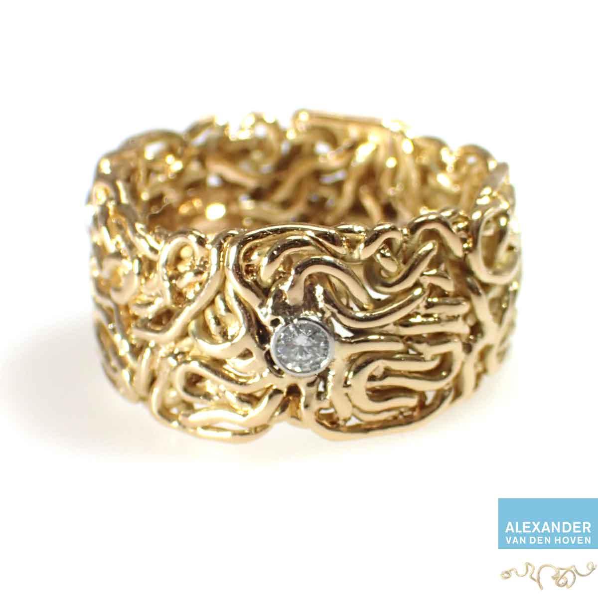 Gouden-gevlochten-trouwring-platin-zettingen