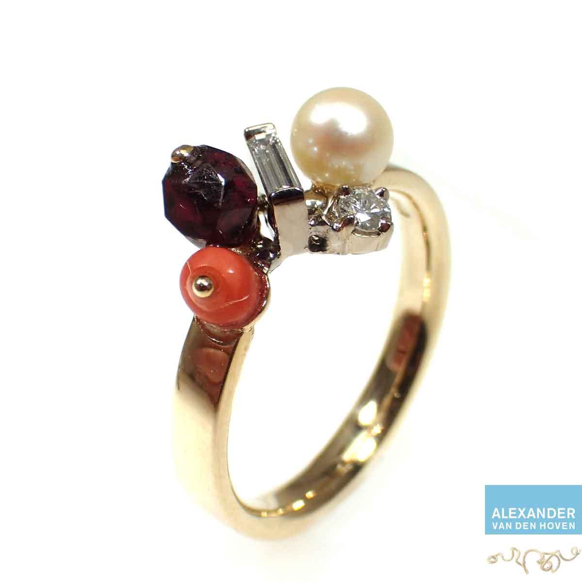 Gouden-ring-witte-parel-bloedkoraal-Diamant