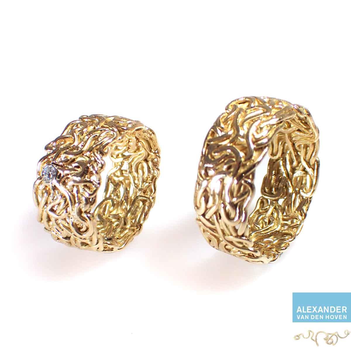 Gouden-trouwringen-gevlochten-draden