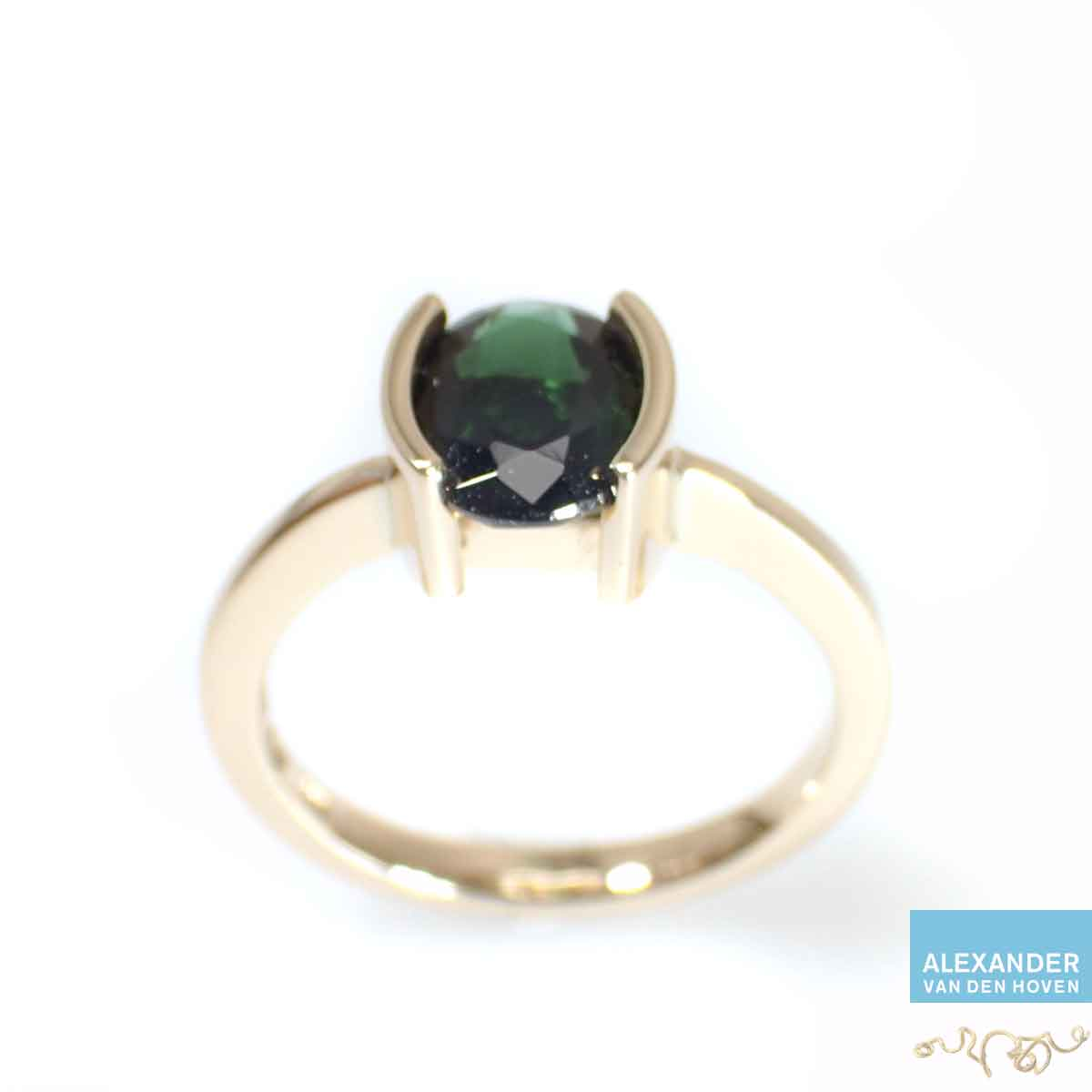 Groene-Toermalijn-gouden-ring