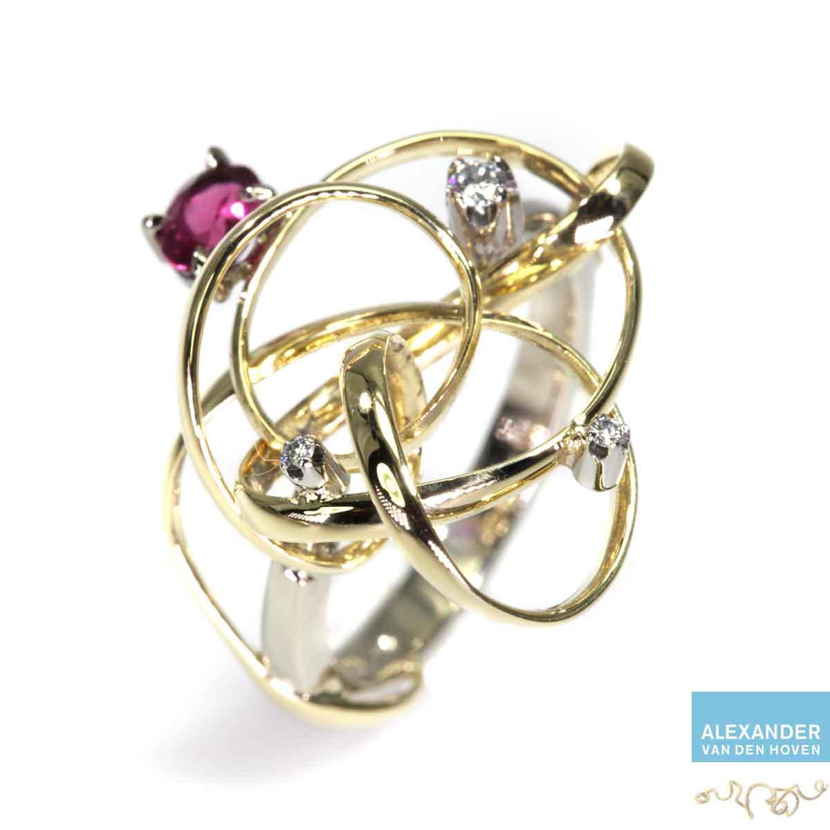 Gouden-krul-ring-Robijn-Diamanten-golvende-briljanten-krullen