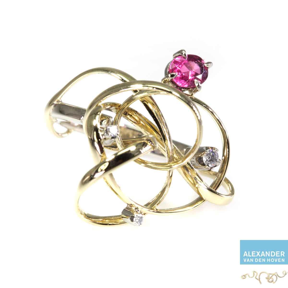 Gouden-krul-ring-rood-Robijn-Diamanten-goudsmid-krullen