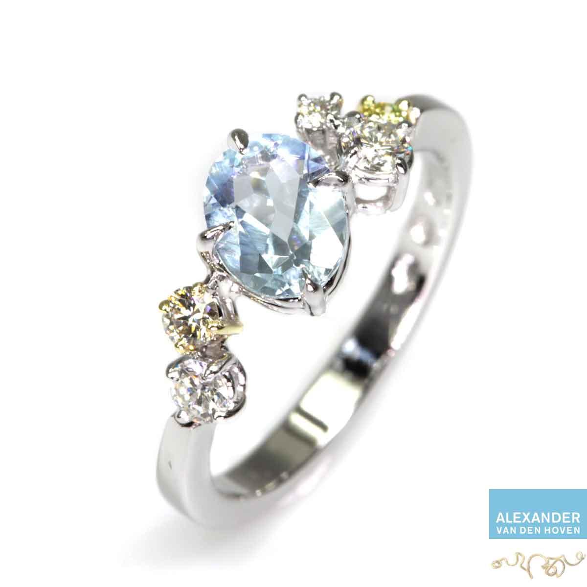 Witgouden verlovingsring, ook in Platina met Aquamarijn edelsteen en briljant geslepen Diamanten
