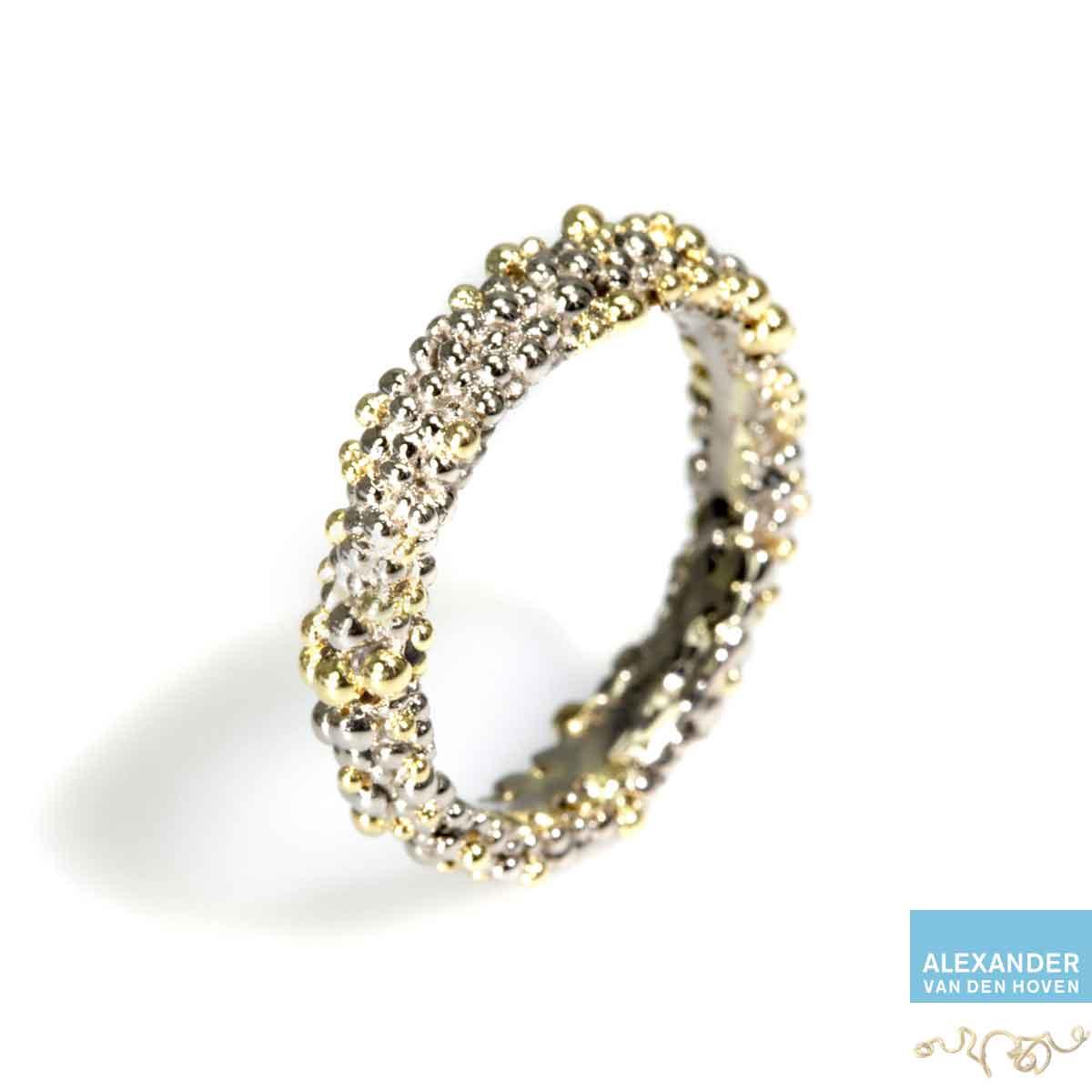 bolletjes-ring-witgoud-geelgoud-nuggets-granuleren