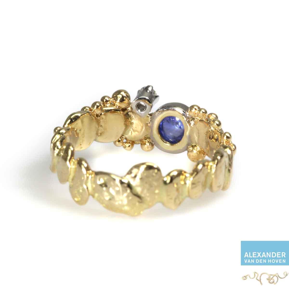 golden-ring-granules-saffier-diamond-briljant