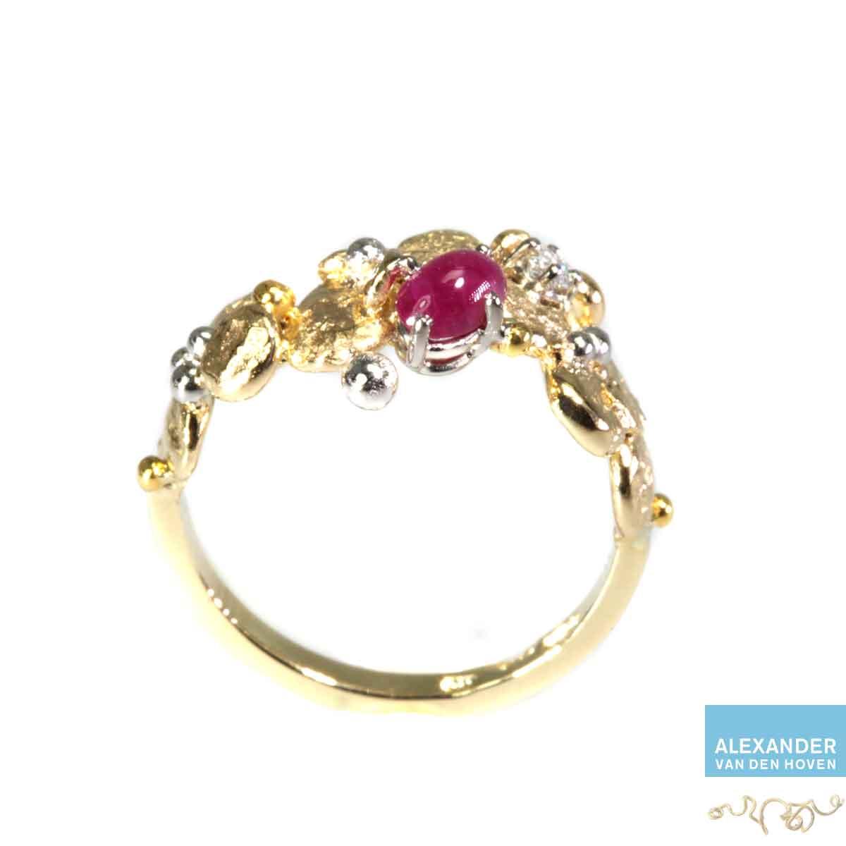 gouden-ring-Robijn-Diamant-prinses-granules