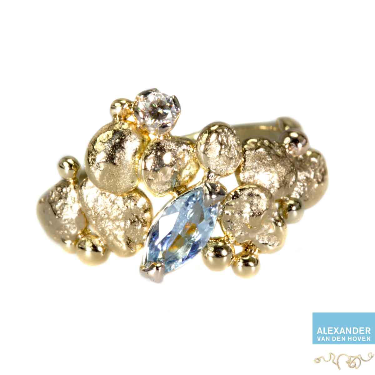gouden-ring-aquamarijn-granules-kiezelsteen-briljant