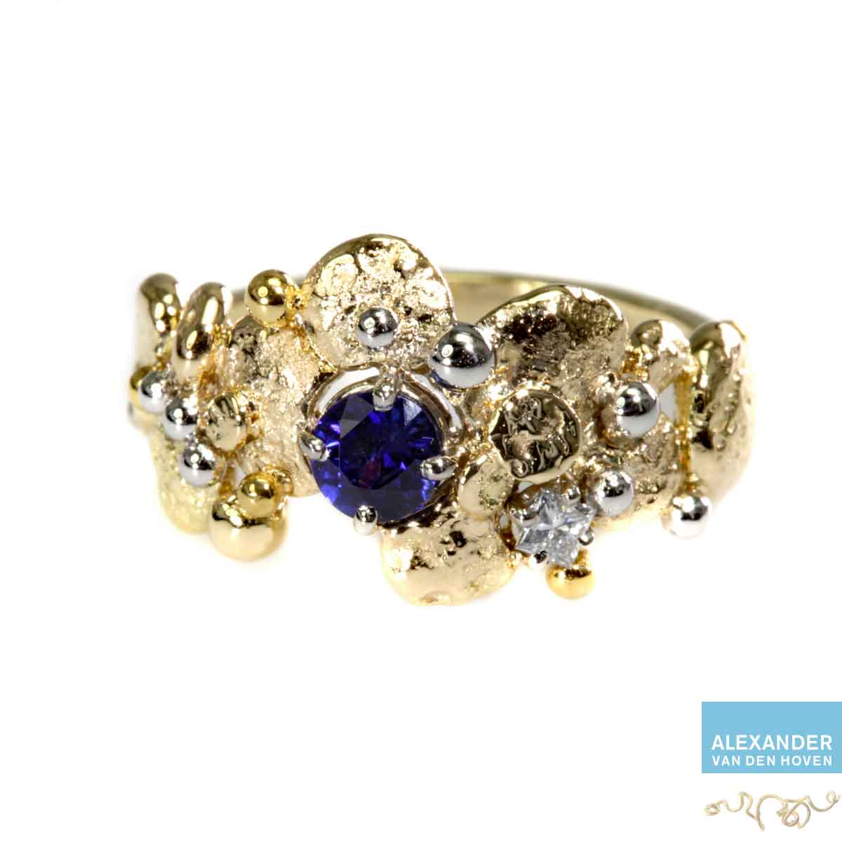gouden-ring-granules-Platina-saffier-diamant