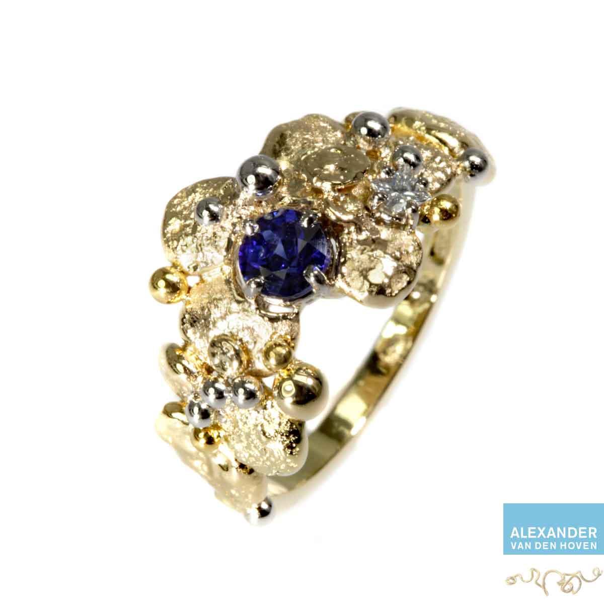 gouden-ring-granules-Platina-saffier-prinses