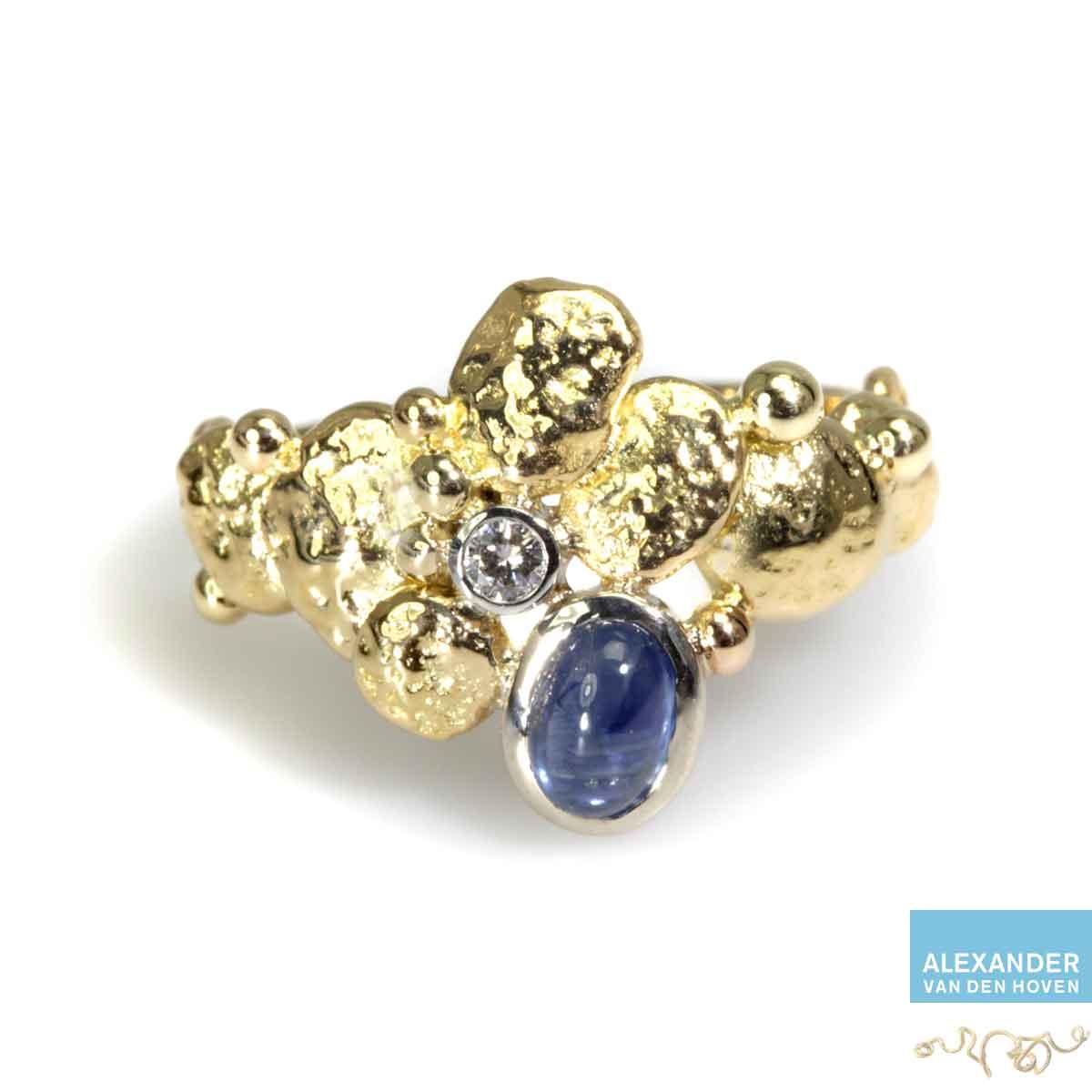 gouden-ring-saffier-bol-diamant-handmade-handwerk