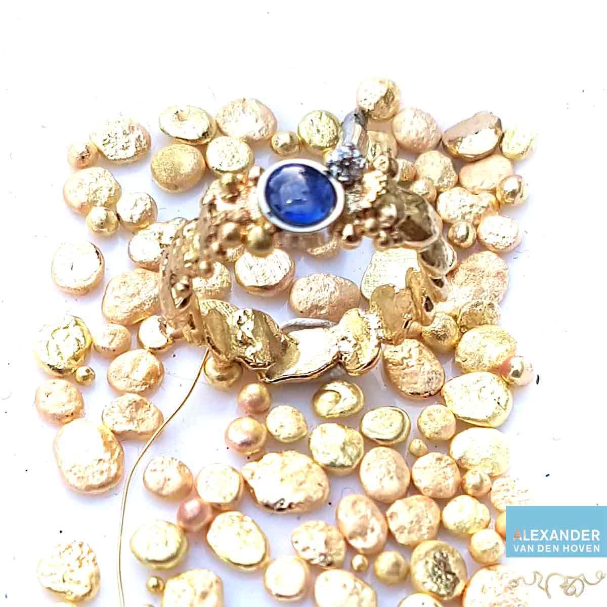 nuggets-goud-ring-saffier-diamant-kiezelsteen