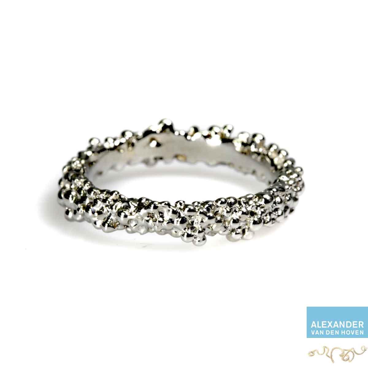 witgoud-ring-bolletjes-granules-edelsmid-platina
