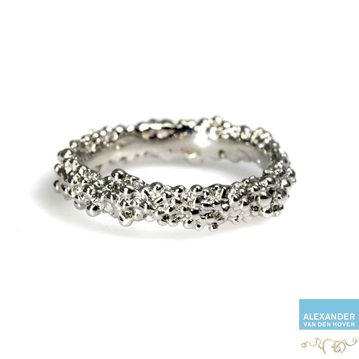 witgoud-ring-bolletjes-granules-goudsmid-platina