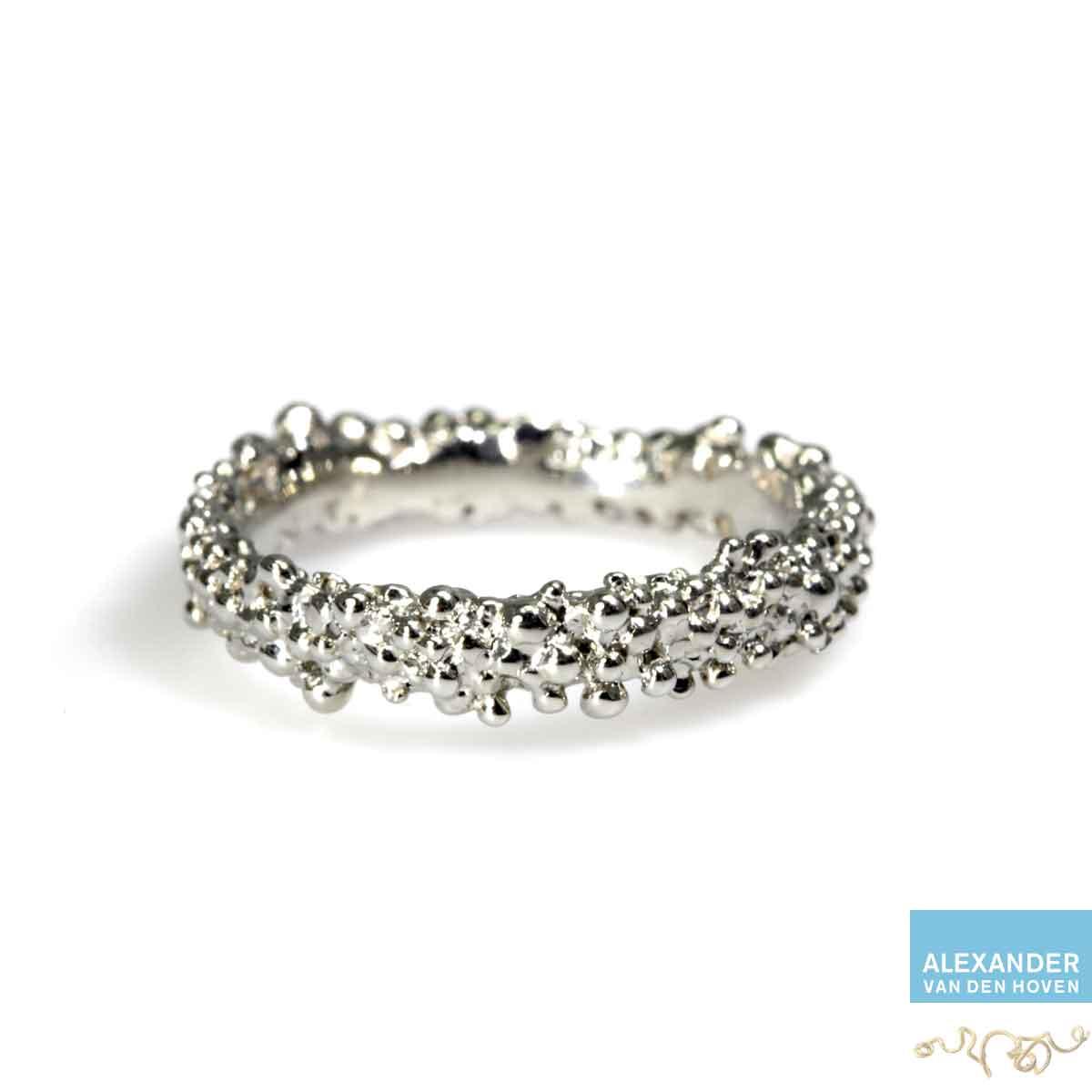witgoud-ring-bolletjes-granules-goudsmit-platina