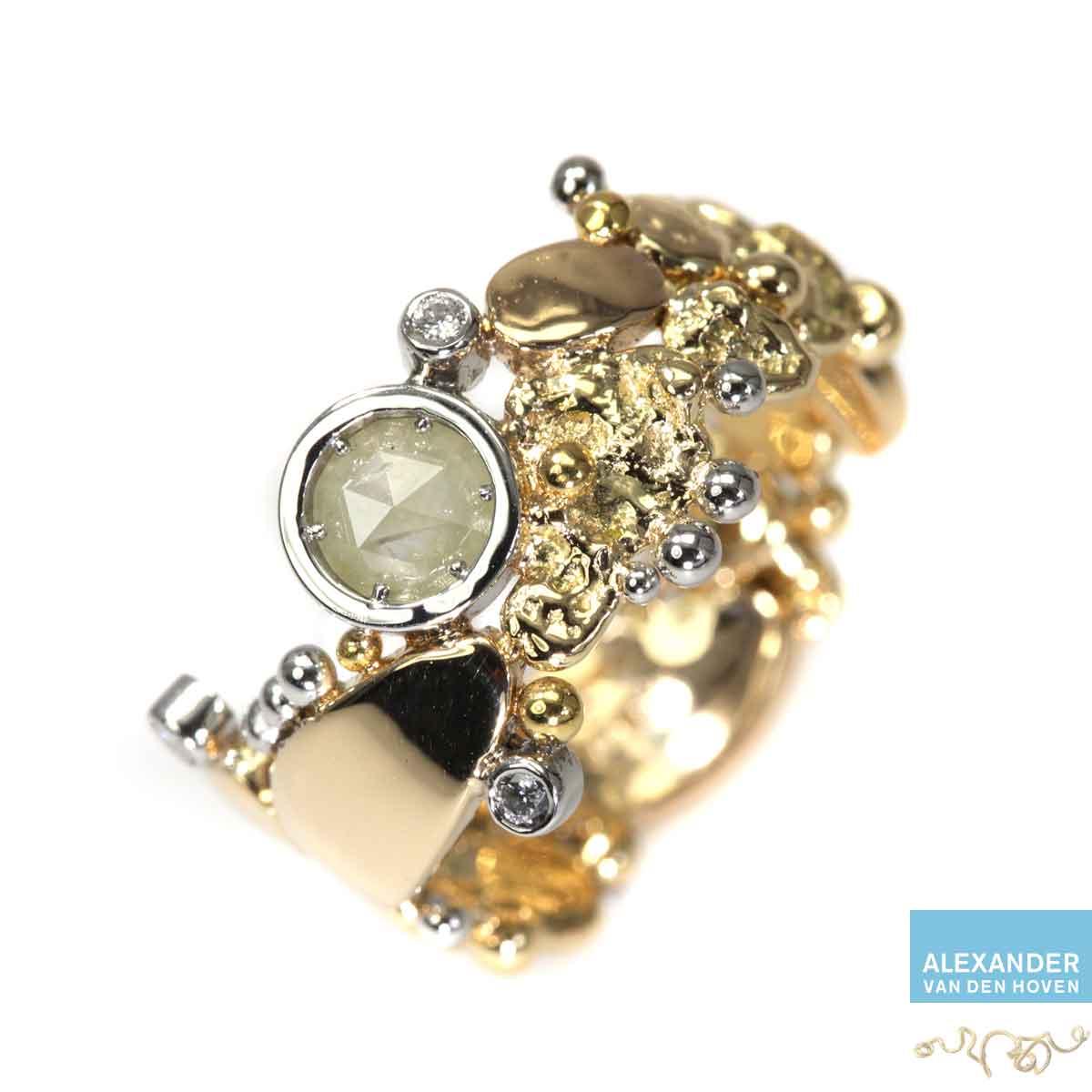 Gouden ring met ovale gele Diamant