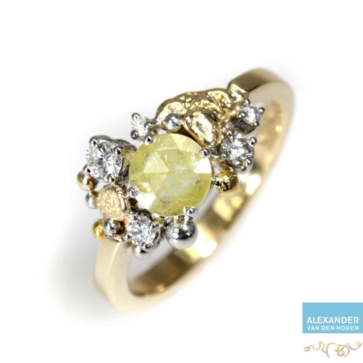 Geelgouden verlovingsring met Diamant en Briljanten en Platina bolletjes