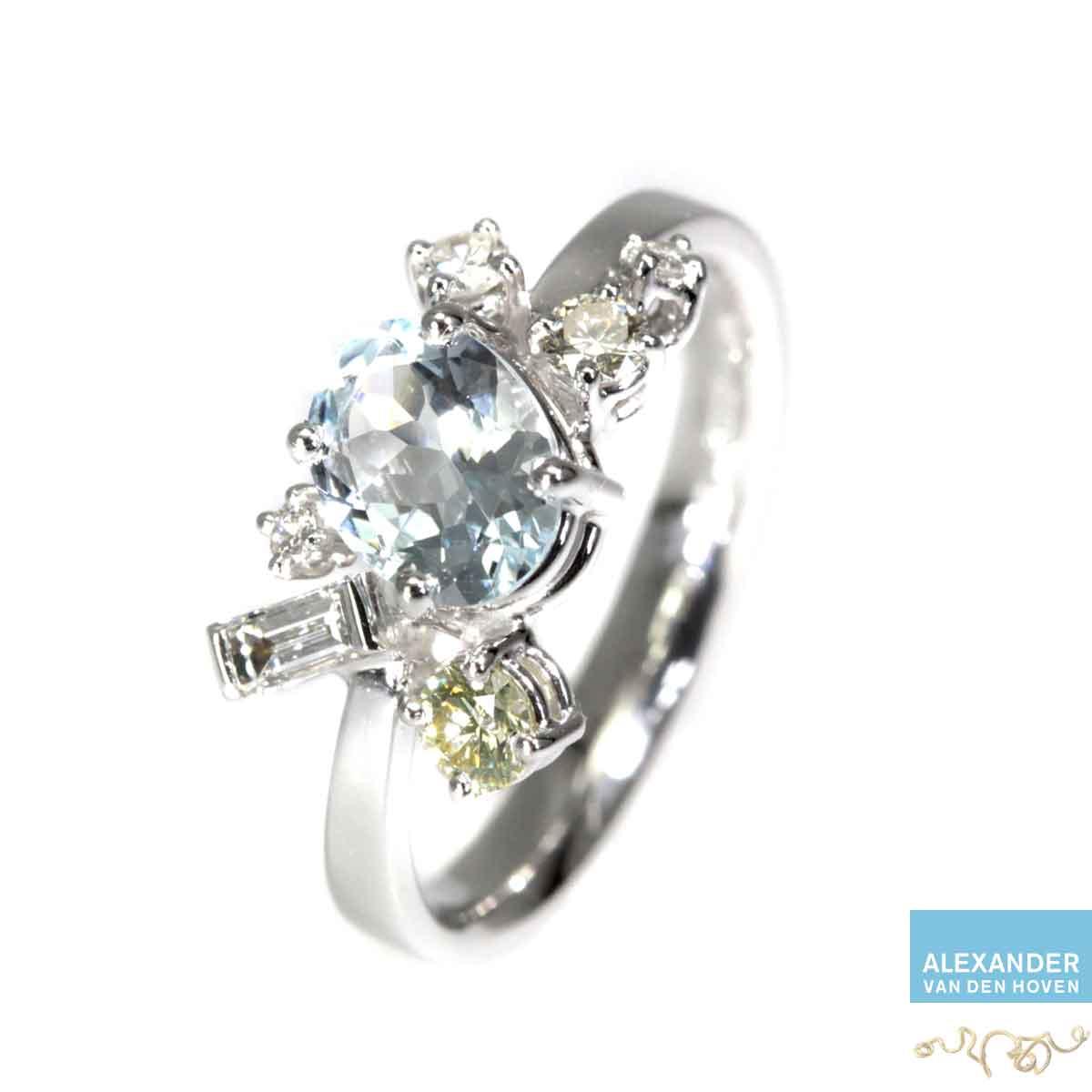 Gouden Fantasie Alliance ring met blauwe Saffier en Diamanten